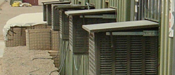 Aire acondicionado AC-M5 MKII con sistema telescópico de trampilla, para transporte en el interior y funcionamiento en el exterior del contenedor o shelter.