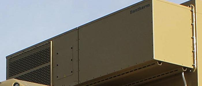 Aire acondicionado AC-M7C instalado en contenedor sobre camión.