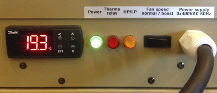 Aire acondicionado AC-M7C para contenedor. Panel de control.